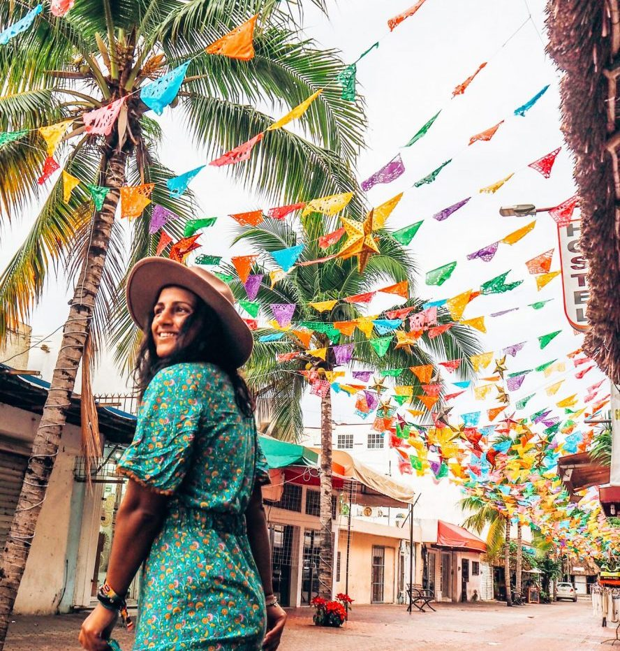 TEFL certificate, playa del carmen, mexico, girl with coloured bunting